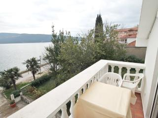 Studio with sea view in Savina