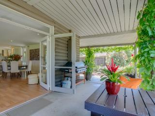 *Hideaway Garden Cabin*, Rosebud