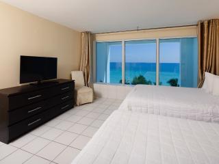 DuplexOceanView w/Balcony-FreeParking&WiFi APT #M5, Miami Beach