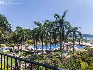 Ocean Breeze Condo with Spectacular View, close to beach club at Los Sueños!, Herradura
