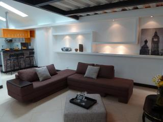 Beautiful Penthouse Fully Furnished in Laureles, Medellín