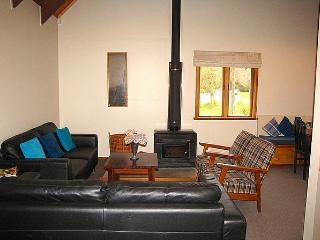 Central Chalet - Ohakune Holiday Home