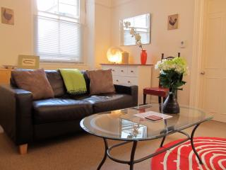 Stylish Central Long Stay Getaway, Plymouth