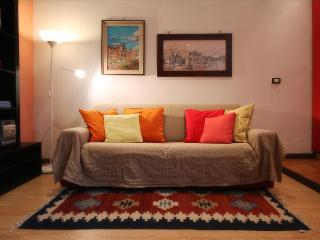 Colorful Apartment Porta Romana