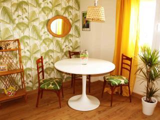Apartamento de 2 dormitorios cerca de la Giralda, nº licencia turística AFT190