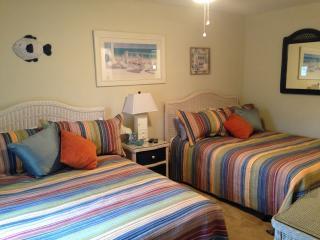 First floor! 2/2 Bed/bath w/ wi-fi!, Myrtle Beach