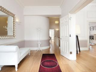Stunning 2-Bed Apartments in Park Lane