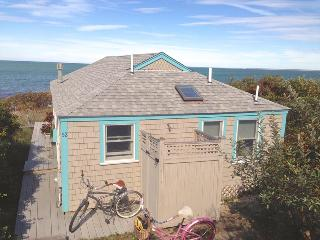 Renovated bayfront cottage directly on bch --052-B, Brewster