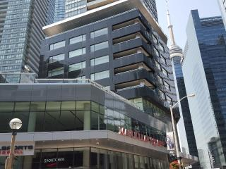 Downtown 2 Bedrooms Condo, next to harbour, Toronto