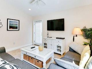 Last minute special... $1100 on weekly, Holmes Beach