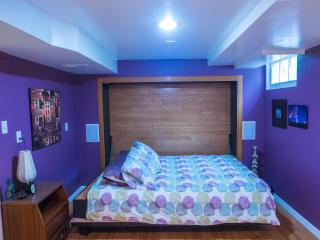Lovely Self-Catering Studio with Private Room Bath, Seattle