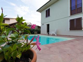 Casa Vacanze Jessica a Stibbio con piscina, parcheggio privato, San Miniato