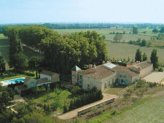 Large Countryside Villa in Provence - Bastide Raphele