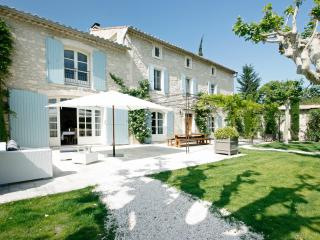 Beautiful Large Villa on Estate with Pool Near St Remy - Dahlia, St-Rémy-de-Provence