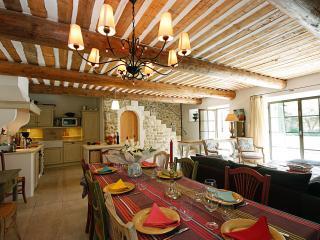 Charming Villa in Provence Village - Maison du Maubec