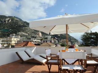 Historic Amalfi Coast Apartment in Maiori - Casa Maiori