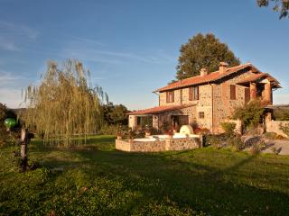 Countryside House on Working Italian Farm - Casale Giardino, Acquapendente