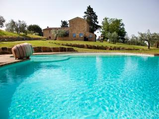 Beautiful Chianti Villa with Guest Cottage and Private Infinity Pool - Villa Ric