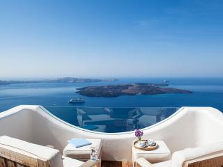 Santorini Villa with Jacuzzi and Views - Villa Imerovigli