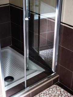 l'angolo doccia del bagno