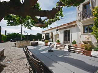 Family-Friendly Provence Villa with Pool - Mas Alpilles, Eygalières