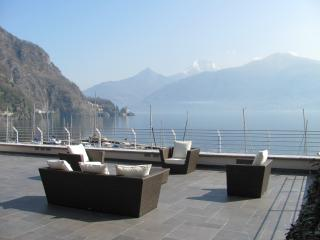 Lake Como Lakeside Villa for a Group - Villa Menaggio 1
