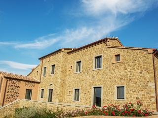 Private Italian Luxury Villa Near Historic Cortona - Villa Benessere