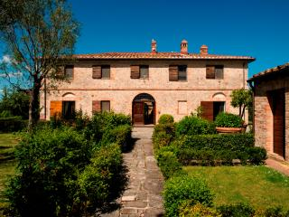 Historic Tuscan Villa with Cottage with Private Pool and Tennis Court - Villa Du