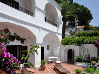 Positano Villa Rental with Views of the Mediterranean Coast - Villa Il Giardino