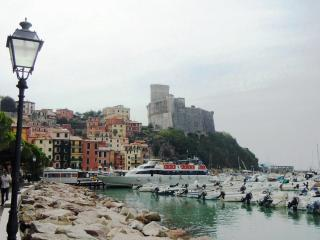 Italian Riviera Villa with Pool Walking Distance to a Town and Harbor - Casa