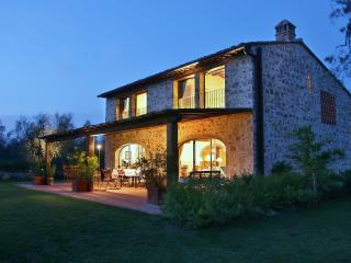 Tuscan Farmhouse Rental on Large Estate - Casa Gilda, Lucardo