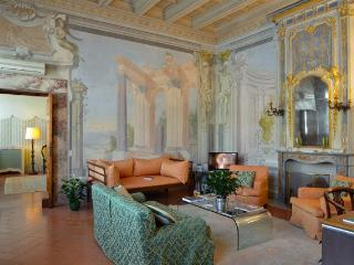Cozy Apartment in Florence - Piazza Santa Croce - Carlo