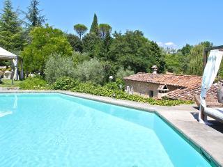 Historic Chianti Villa with Pool and Tennis Court - Villa Talia