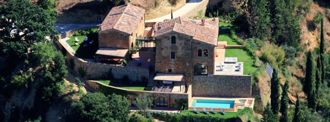 Large Luxury Villa Rental in the Chianti with Spectacular Views - Villa Liona
