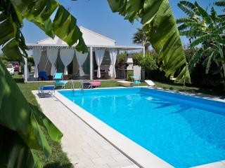 Family-Friendly Villa with Pool in Sicily Near Beach - Villa Filomena