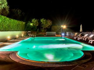 Large Villa with Pool and Jacuzzi West of Florence - Casale Terme, Monsummano Terme