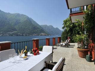 Lake Como Lakeshore Villa Close to a Village  - Villa Norma, Pognana Lario