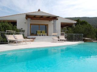 Villa on Sardinia with Private Pool Near the Beach - Villa Asfodelo, Baia Sardinia