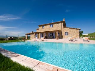 Beautiful Farmhouse with Expansive Views in Coastal Southern Tuscany  - Villa Licia, Cecina