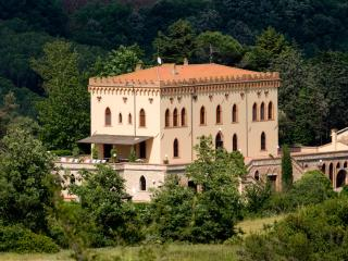 Beautiful Castle-Like Villa in Coastal Tuscany with Private Pool and Ideal for