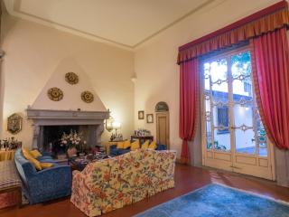Beautiful Florence House with Private Garden - Il Palazzo Dino, Florença