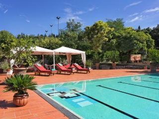 Luxury Villa with Staff near Florence  - Villa Maia - Full Staff