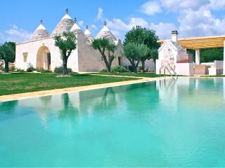 Unique Trulli Villa with Pool and Gardens in Puglia - Villa Trullo, Martina Franca