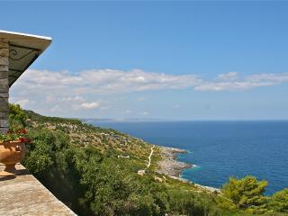 Seafront Villa in Puglia for a Family - Villa Topazio