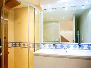 Luxurious Sea-View Villa in Cannes - Villa Deluxe