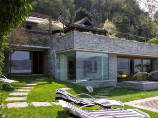 Lake Maggiore Villa with Private Beach - Villa Lia