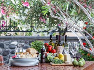 Greek Villas - Santorini  - Villa Al Mare a superb elegant beachfront Pool villa with 3 bedrooms