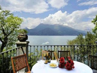 Lake Como Lakeside House in Varenna - Casa Emma