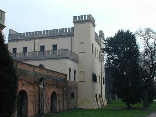 Charming and Historic Castle Apartment in the Veneto Region  - Castello Ricco