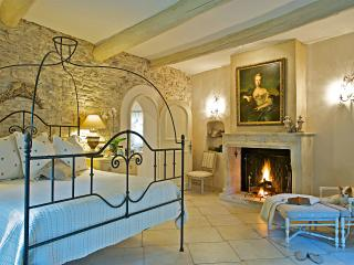 Exquisite Provence Villa with Ensuite Baths - Le Roucas